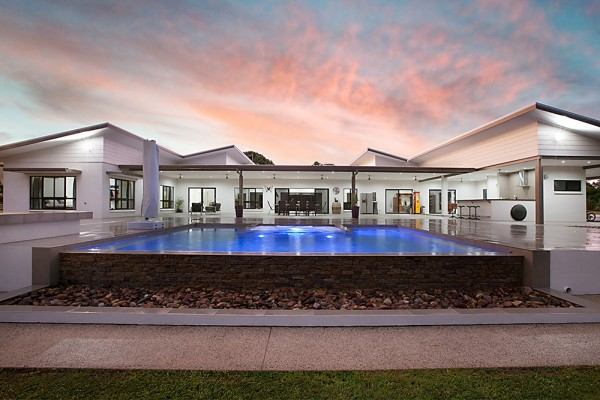 Whitewood Residence - Pool and outdoor entertaining
